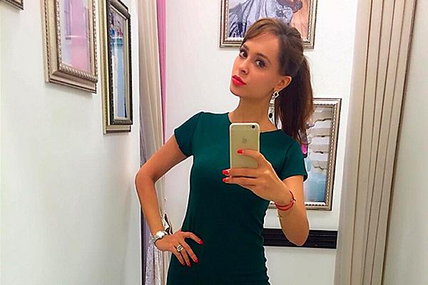 Анна Калашникова. Фото: instagram.com/annakalash