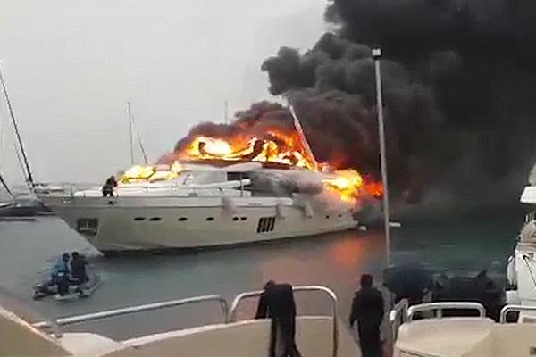 Горящую вТурции российскую яхту за6 млн. долларов сняли навидео