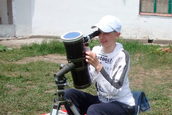 18-летний астроном открыл звезду влюбленных