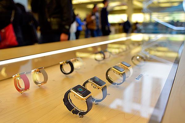 Apple Watch резко упали в цене