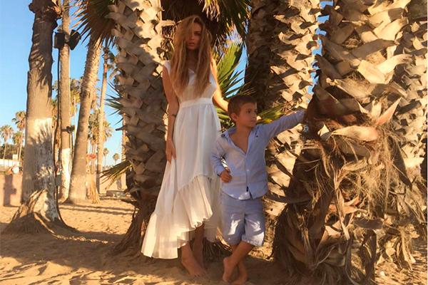 Алена Водонаева с сыном. Фото: instagram.com/alenavodonaeva