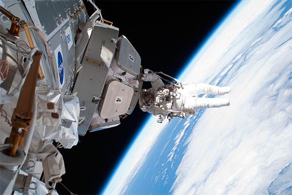 Россия выделила на космос 1,4 трлн рублей