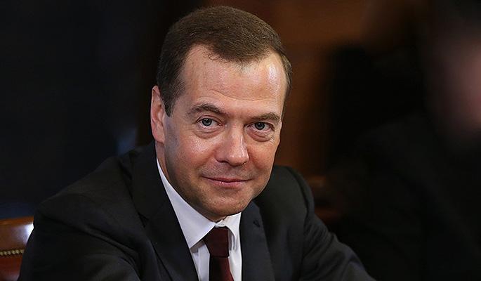Медведев пообещал землю крестьянам