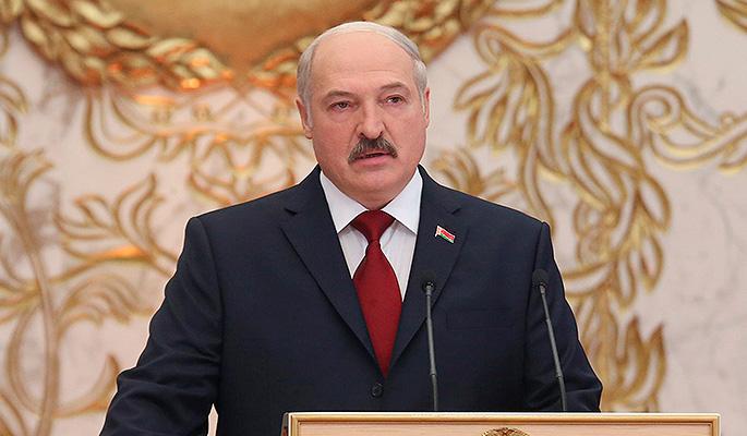 Лукашенко хочет обменять тягачи на нефть