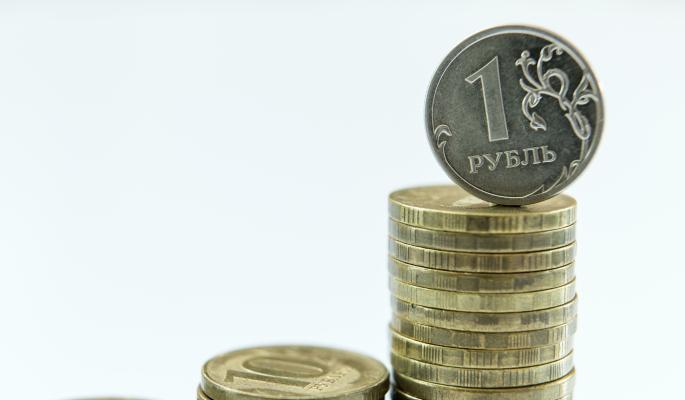 Сбербанк предсказал ускорение падения рубля