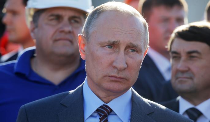 Путин потребовал от чиновников отчитаться о тратах на дороги