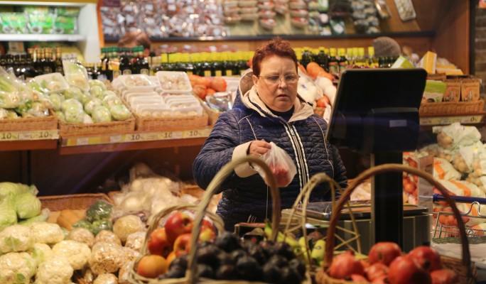 Сколько россияне тратят в магазинах