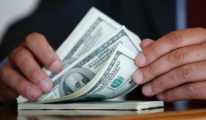 Россияне ринулись скупать валюту