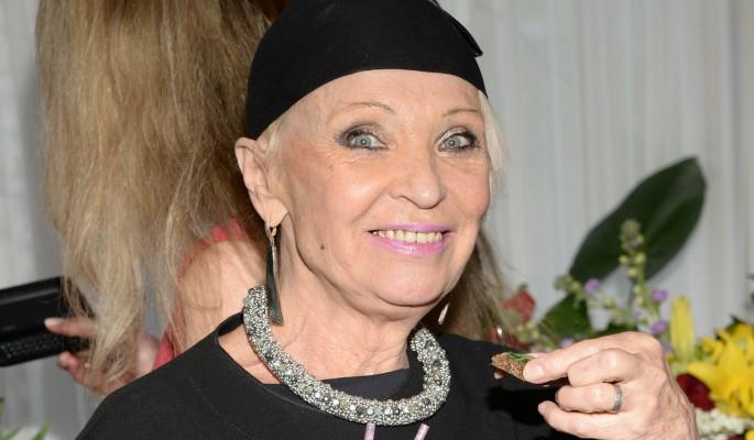 76-летняя Светлана Светличная показала шикарные ноги