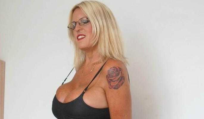 Модель увеличила грудь до 32–го размера