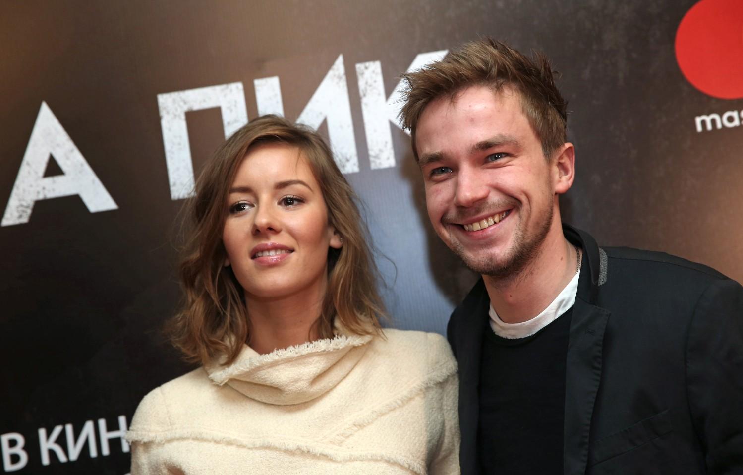 Александр петров и его девушка фото
