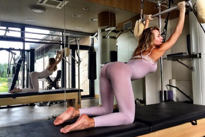 Голий фото русских девушек на шоу бизнесе фото 512-594