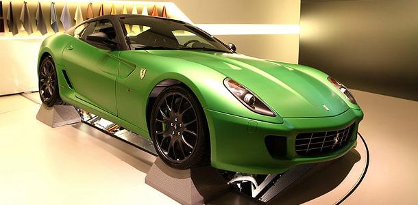 Ferrari показал свой первый гибрид
