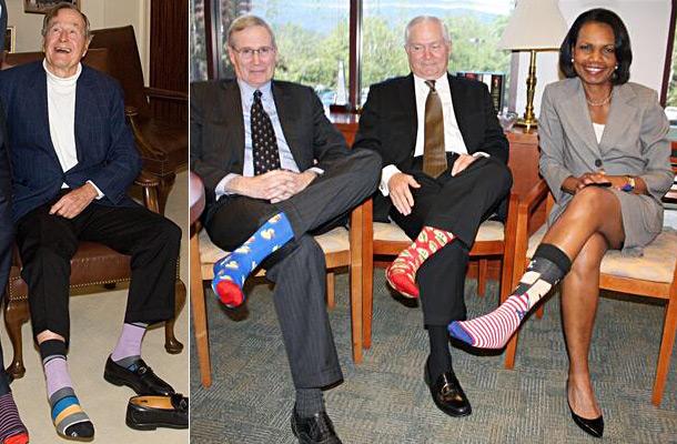 Буша-старшего поздравили носками