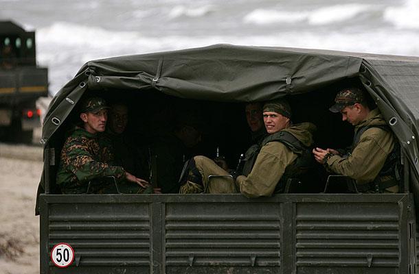 Совфед разрешил ввести войска на Украину