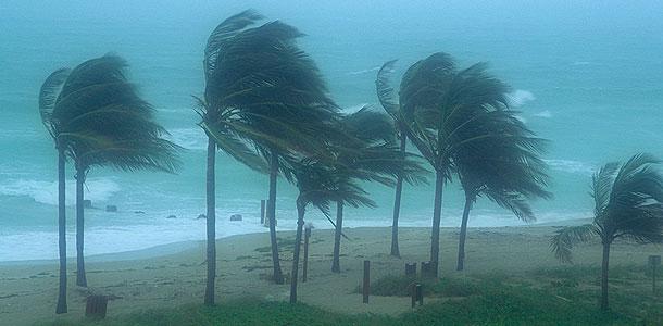 Ураганы с женскими именами опаснее