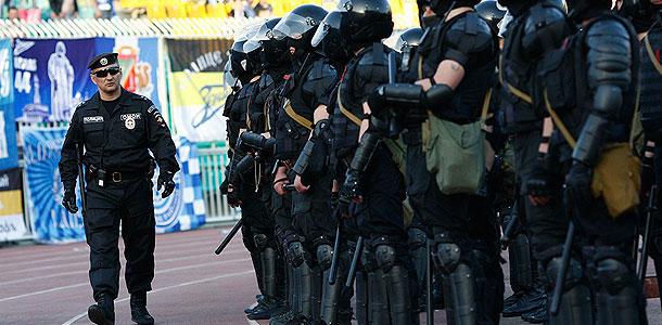 Полицейским разрешат бить людей