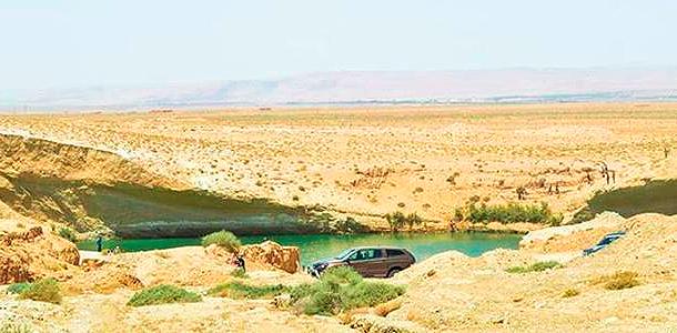 В центре пустыни появилось озеро