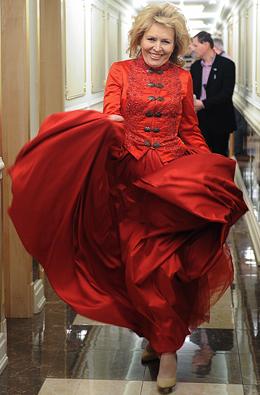 королева людмила няня фото