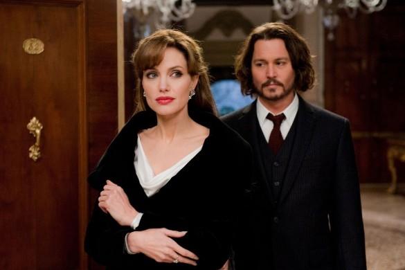 Анджелина Джоли и Джонни Депп. Фото: кадр из фильма