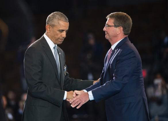 Барак Обама и Эштон Картер. Фото: GLOBAL LOOK press/Kevin Dietsch