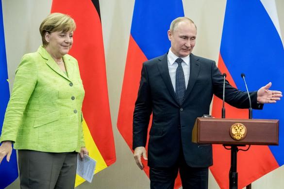 Ангела Меркель и Владимир Путин. Фото: GLOBAL LOOK press/Michael Kappeler