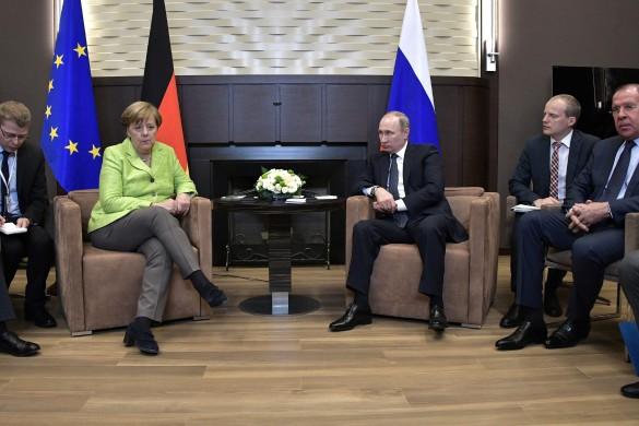 Ангела Меркель и Владимир Путин. Фото: GLOBAL LOOK press/Kremlin Pool