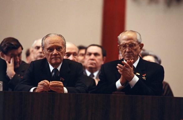 Юрий Андропов (справа). Фото: GLOBAL LOOK press/Yuri Abramotchkin