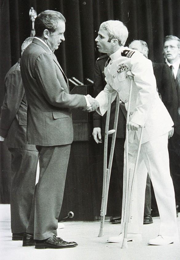 Ричард Никсон и Джон Маккейн. Фото: Gettyimages.ru
