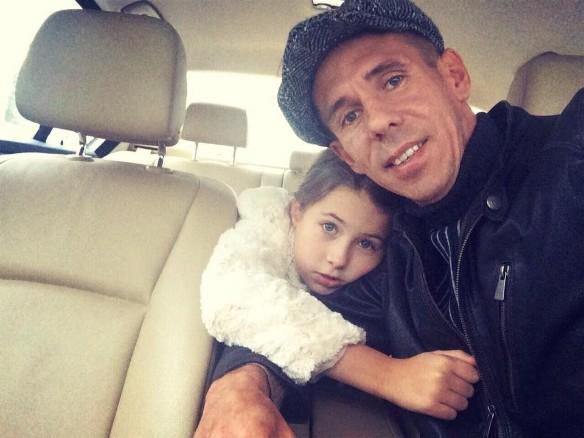 Алексей Панин с дочкой. Фото: facebook.com/motolina