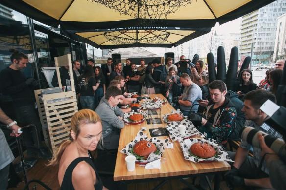 Фото: vk.com/blackstarburger
