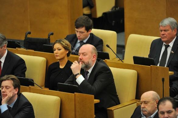 Павел Крашенинников (в центре). Фото: GLOBAL LOOK press/Pravda Komsomolskaya
