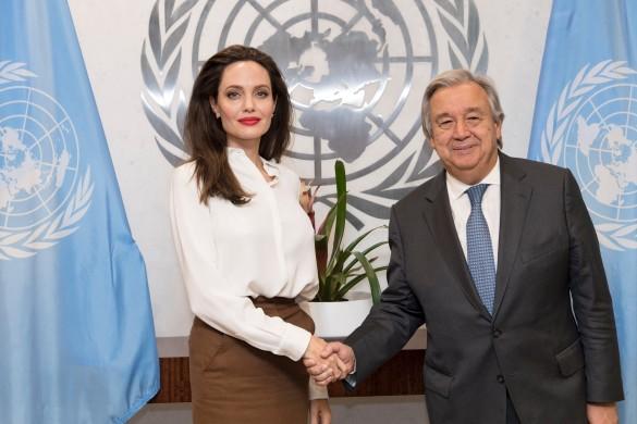 Анджелина Джоли и генеральный секретарь ООН Антониу Гуттереш. Фото: UN Photo