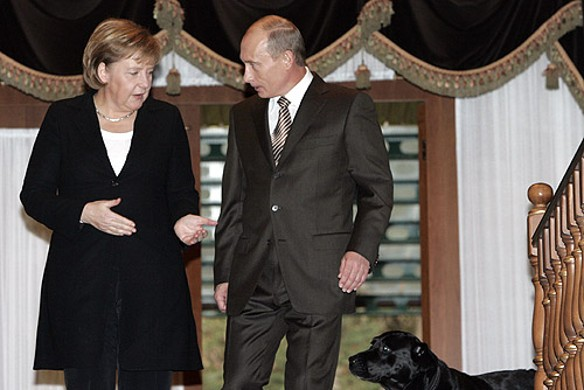 Ангела Меркель, Владимир Путин и Кони. Фото: wikipedia.org