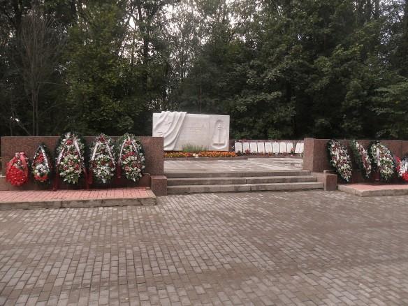 Братская могила погибших в авиакатастрофе 7 февраля 1981 года на Серафимовском кладбище Санкт-Петербурга. Фото: wikipedia.org/SerSem