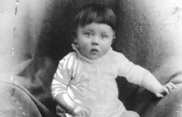 Гитлер в младенчестве. Фото: ru.wikipedia.org
