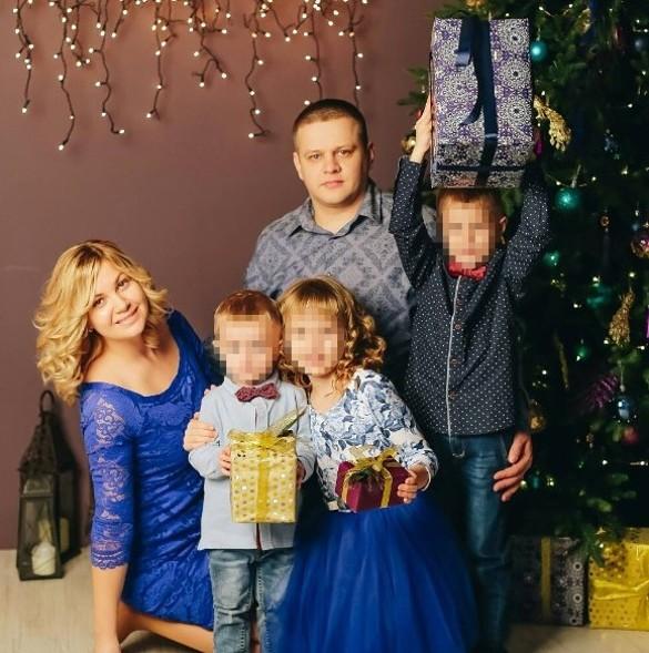 Игорь Востриков (жив, не был в момент трагедии в ТЦ) с женой Еленой и детьми – Артемом, Анной и Романом