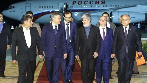 Вячеслава Володинин и Али Мотахари (в центре). Фото: duma.gov.ru