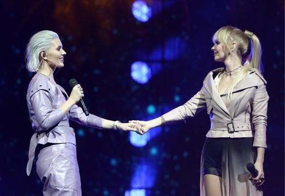 Анна Шульгина и Валерия. Фото: Михаил Терещенко/ТАСС