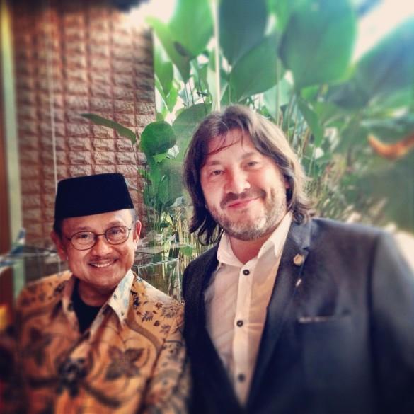 Александр Шульгин с первым президентом Индонезии г-ном Хабиби. Фото: из личного архива Александра Шульгина