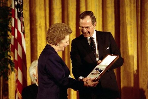 Джордж Буш ст. и  Маргарет Тэтчер. Фото: wikipedia.org