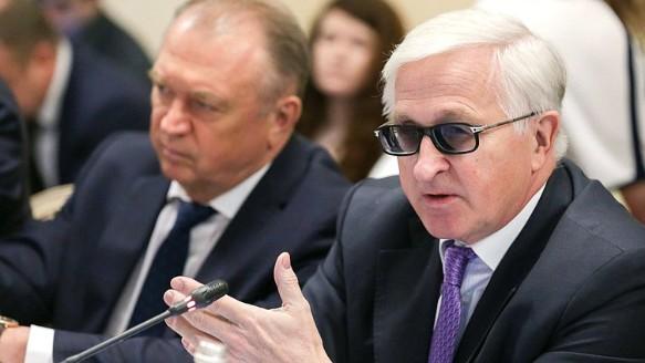 Александр Шохин (справа). Фото: duma.gov.ru