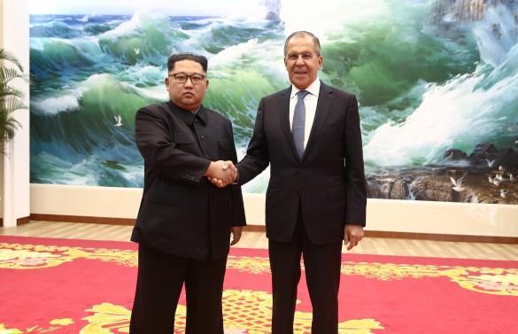 Ким Чен Ын и Сергей Лавров. Фото: twitter.com/MID_RF