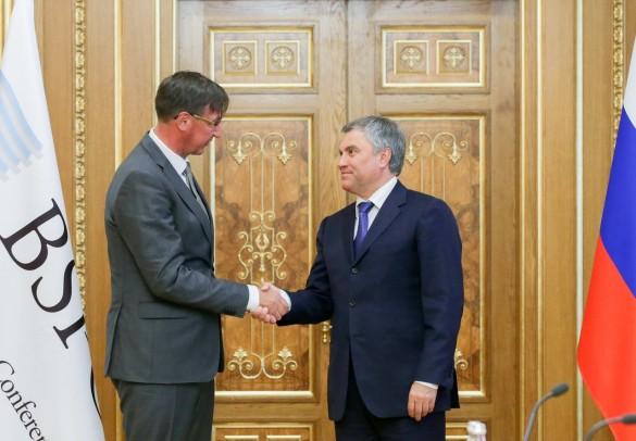 Вячеслав Володин и Йорген Петтерсон. Фото: vk.com/duma
