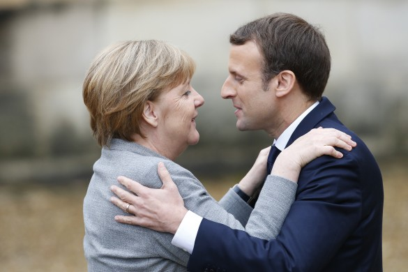 Ангела Меркель и Эмманюэль Макрон. Фото: GLOBAL LOOK press/Panoramic
