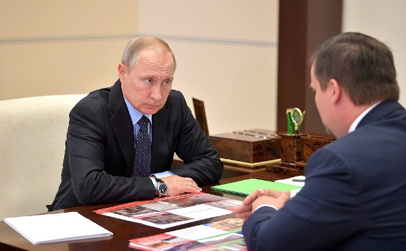 Владимир Путин и Андрей Никитин. Фото: kremlin.ru
