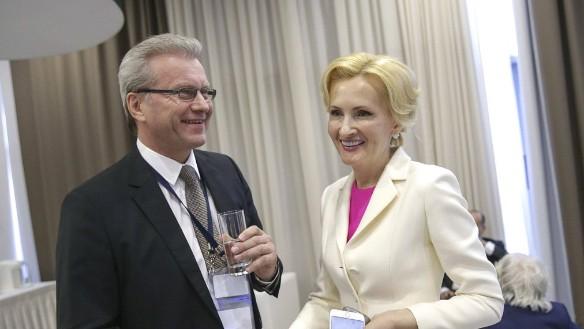 Ирина Ярова (слева) Фото: duma.gov.ru
