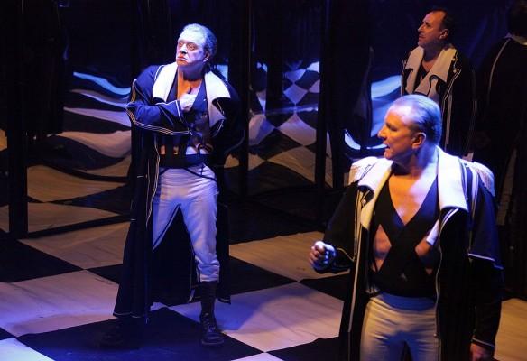 Фото:teatr-uz.ru/igra-v-napoleona