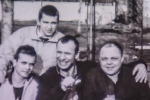 Сергей Тимофеев (в центре). Кадр youtube.com