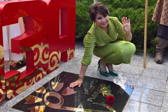 Роза Рымбаева. Фото: Dni.Ru/Феликс Грозданов